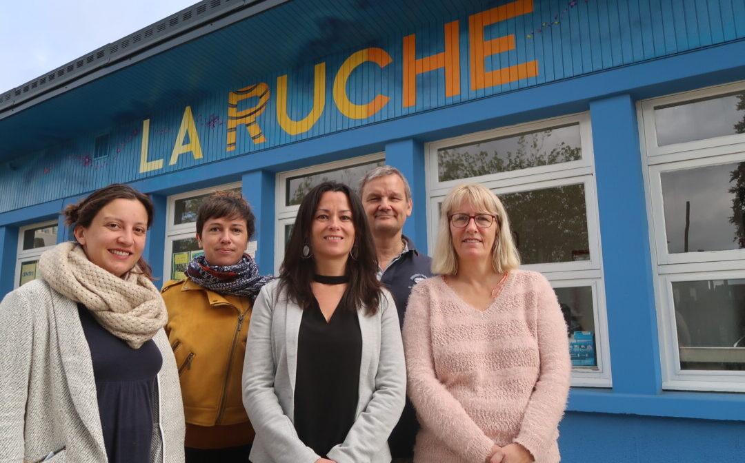 Le centre social La Ruche correspond avec les habitants